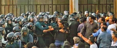 0909-Hepco-Demonstranten-400-3