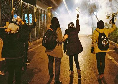 0120-Teheran-Proteste-400