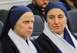 Ordensfrauen-300